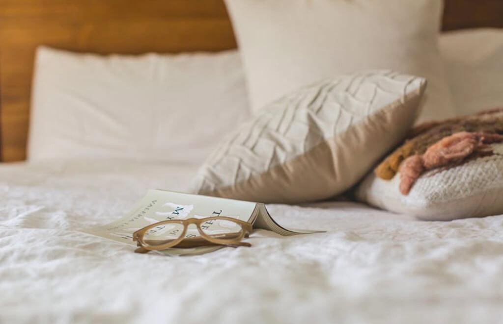 Find the best mattress after examining Zinus vs Signature Sleep