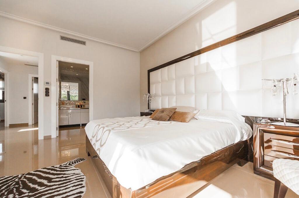 Zinus vs Olee Sleep mattresses